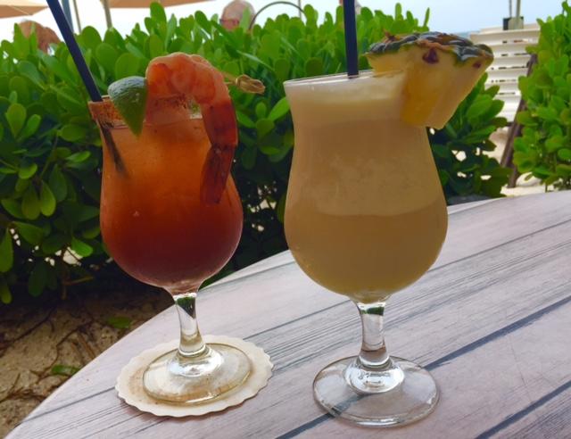 Interessantes coquetéis do Turtle Club, na frente da praia - foto Ana Paula Garrido