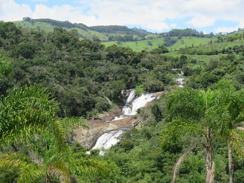 Cachoeiras perfeitas em Cunha - foto Ana Paula Garrido