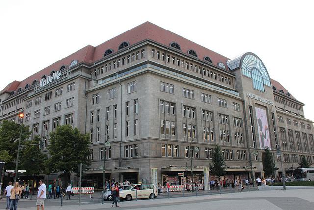 A famosa loja de departamento KaDeWe @visitberlin foto: Janine Biechschmigt