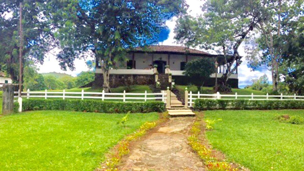 Típica casa de fazenda